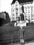 1942., Móricz Zsigmond körtér Szent Imre szobor. Fortepan/TEHTUBE