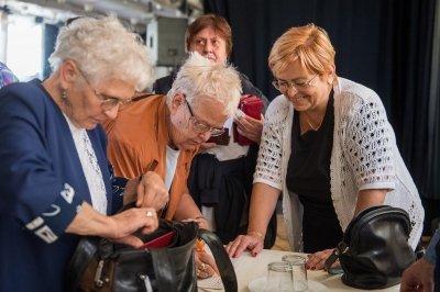 Riasztóberendezéshez juthatnak ingyen a nyugdíjasok