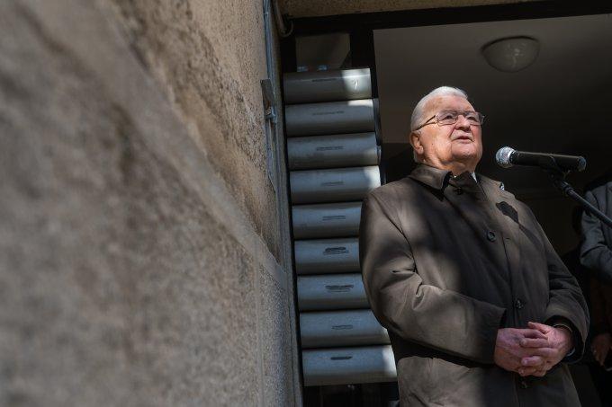 Meredek utcai lakóhelye falára került Antall József miniszterelnök emléktáblája