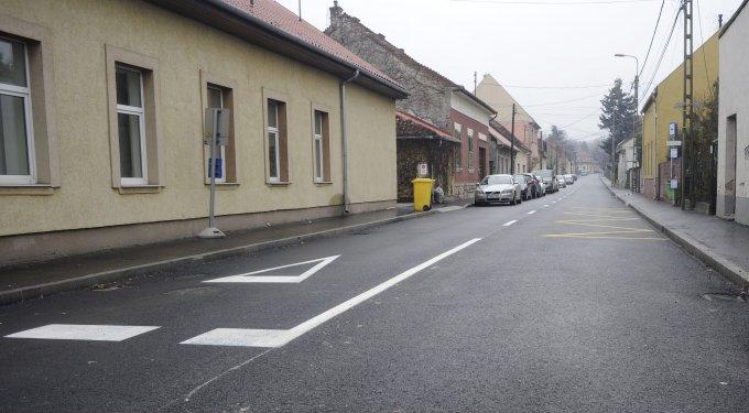 A felújított Bazsalikom utca