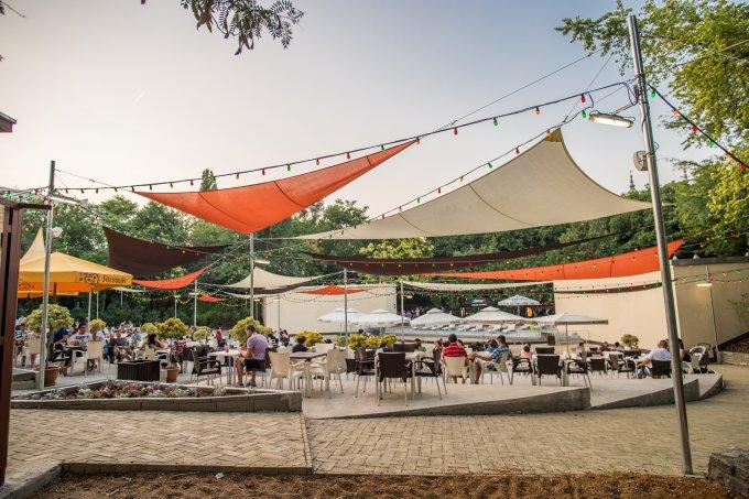 Pezsgő élet a Budai Parkszínpadon