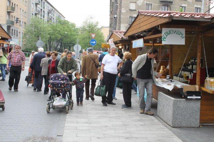 Tart a Húsvéti vásár