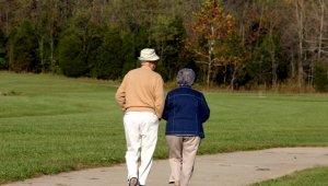 Emelkedik a korhatár, kevesebb a nyugdíjas