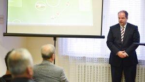 Mozgásfejlődést is vizsgál a Baráti Bőrlabda FC
