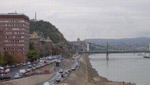 Változott az autós közlekedés a Petőfi híd budai hídfőjénél