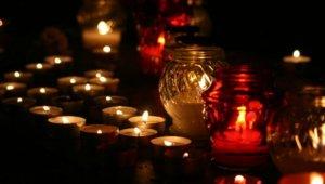 Halottak napja: tovább lesznek nyitva a temetők