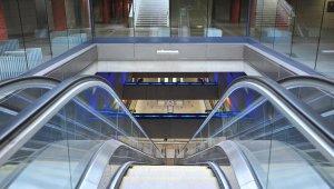 Hétvégén pótlóbusz jár a 4-es metró helyett