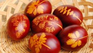 Húsvéti tojást kapnak ajándékba a kerület gyerekei és nyugdíjasai