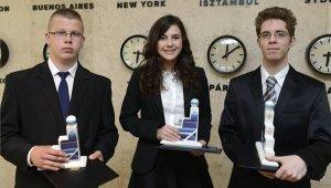 Újbudai diák az ifjú feltalálók versenyének nyertesei között
