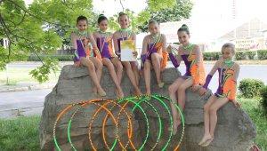 Jól teljesítettek az újbudai ritmikus gimnasztikások
