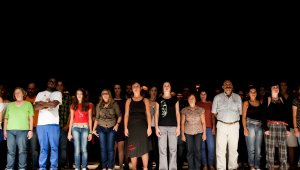 Színház: száz szereplőt keresnek